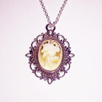 Cameo flower pendant adjustable boho antique vintage look necklace