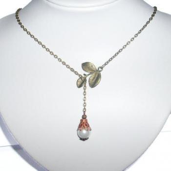 Lariat white glass pearl bronze vintage look necklace